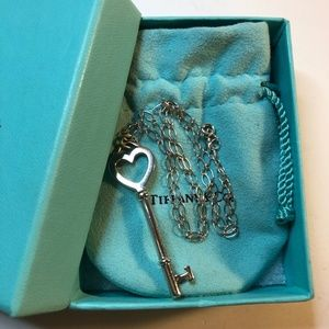 "Heart Key 2"" Oval Link Chain Pendant Necklace 18"""